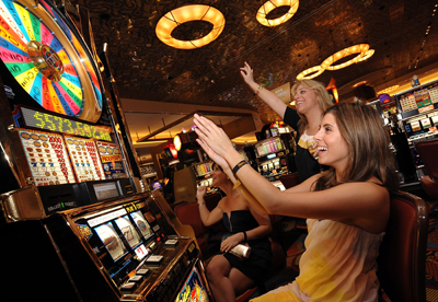 How much does an online casino make